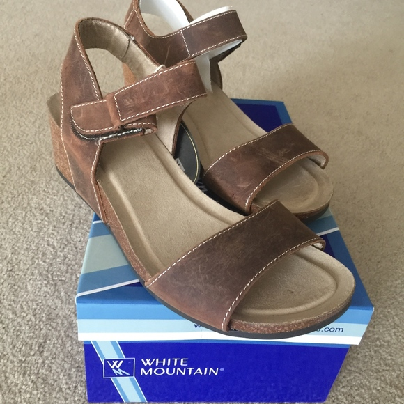 02f3ad827857 White Mountain Haines Leather Sandals - NIB